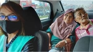 Teman Malaysia freelancer driving car